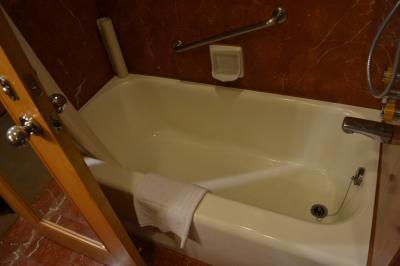バスタブ、ウォッシュレット付トイレはありがたい