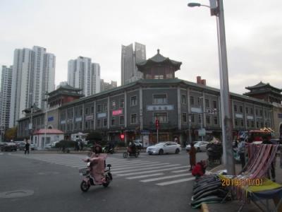 中華だけでは人が来ません。