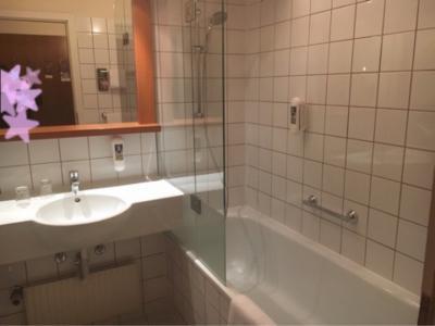 綺麗なバスルームでした。タオルは毎日交換してくれました