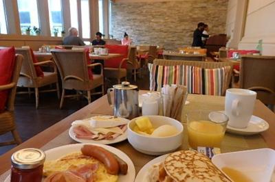 本館のカフェレストラン:朝食ブッフェ