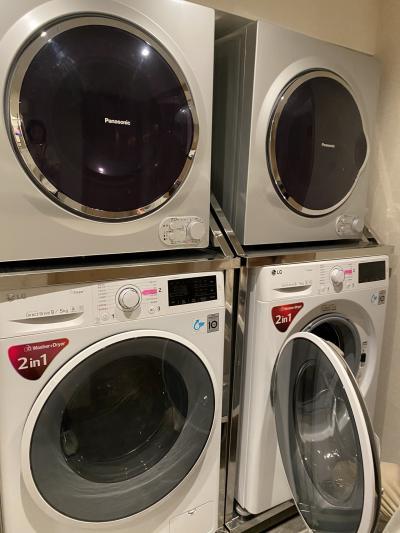 B1の自由に利用できる洗濯機、乾燥機