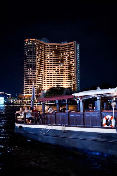 ホテルとホテルボート