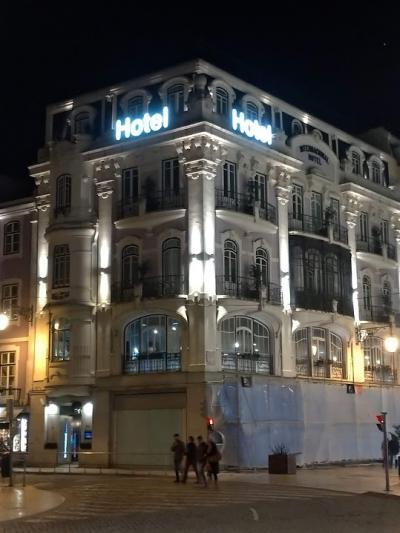ロシオ広場とフィゲイラ広場の間、超便利な立地のホテル