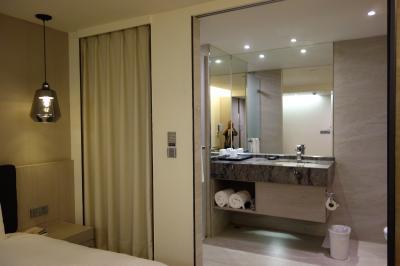 MRTからのアクセスも良く快適、コスパのいいお宿。窓なしのお部屋が多いですが・・