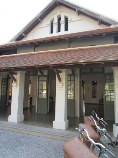 世界遺産ルアンパバーンの街中にあるアマンリゾートのホテル内でハイティー(アフタヌーンティー)を体験