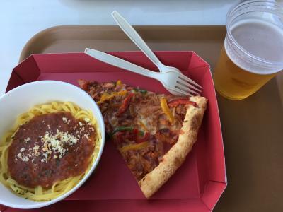 ピザとドリンク