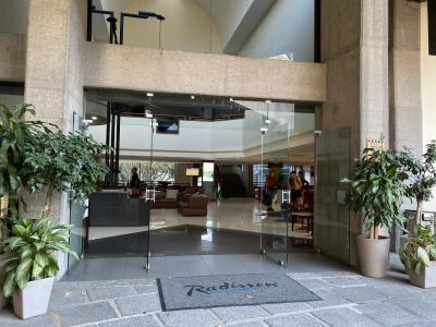 大きなホテル