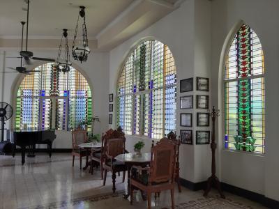 部屋以外の設備はきれいに整備されてあって見学の価値有り。