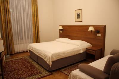 駅や旧市街に近く立地抜群でオトクなホテル Aparthotel Basztowa
