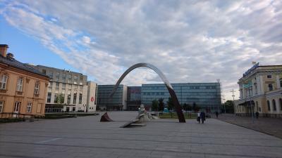 駅や大型商業施設のガレリア・クラコウスカへは徒歩数分。