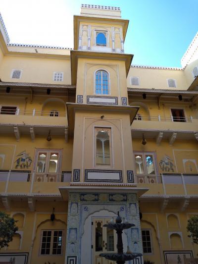 宮殿ホテル