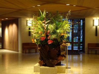 フロントの生け花