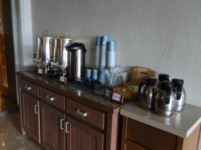 朝はサービスのコーヒーがあります
