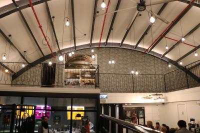 映画館をリノベーションした建物