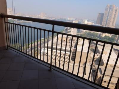 バルコニーから眺めたナイル川とカイロの街並み