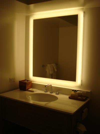 照明が綺麗な洗面台