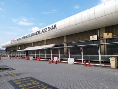 旧空港で、第2空港の割には・・・