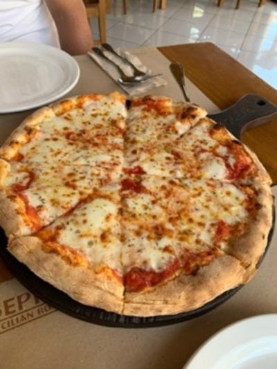 大きなピザがおすすめ
