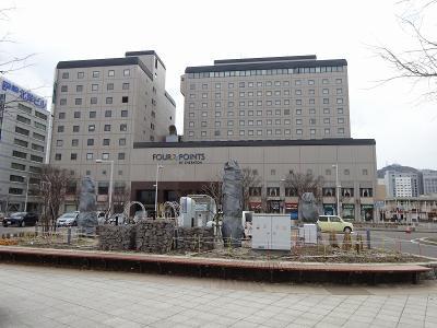 函館駅前にあるビジネス風ホテルです