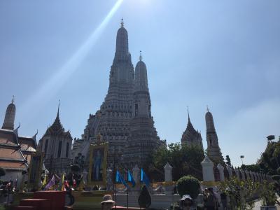 大きくてきれいな仏塔が印象的でした