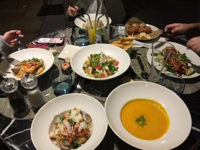 ホテルレストランの料理