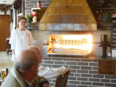 バウムクーヘンの元祖はザルツヴェーデルのカフェ・クルーゼだよ!
