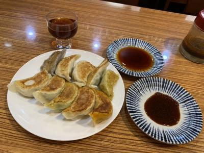 手作り焼き餃子10種食べ比べに生ビールと紹興酒!
