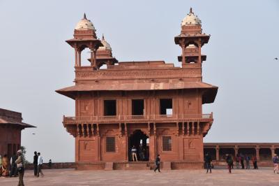 短期間の首都であったため建物はそのまま残っている