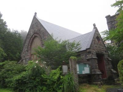 歴史ある石造りの教会