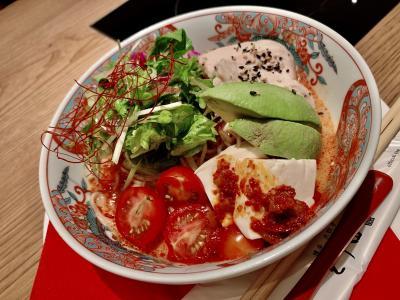 ランチ!冷やし担々麺は最高に美味しかった。