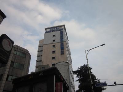 東大門歴史文化公園駅のすぐ横