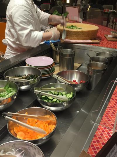 グランカフェで夕食ビュッフェ