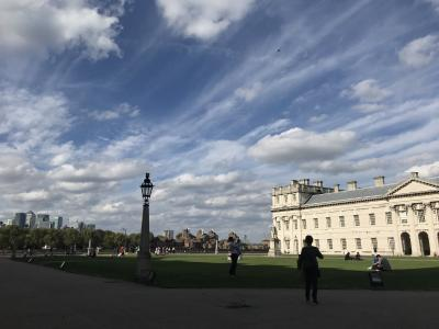壮麗な建築と広大な芝生が素晴らしいです