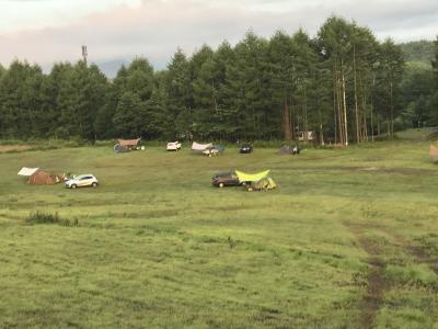 夏は開放的なキャンプ場になります(アーススマイルビレッジ)