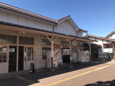 「旧湯田中温泉駅舎・楓の舘」と「楓の湯「」は隣通しです。