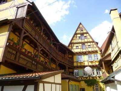 ディンケルスビュールのヘーゼルホフは16世紀の都市貴族の家、画家たちが好んで描いたという木組みの家だ。