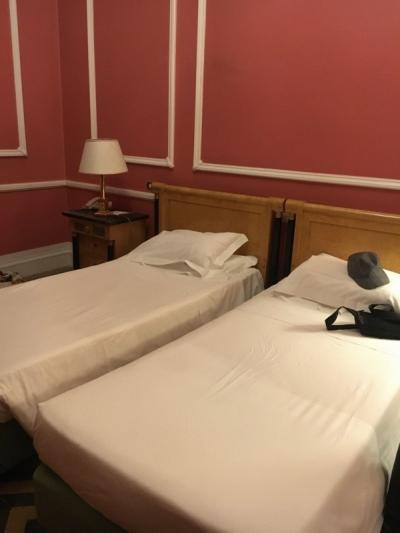 奥のベッドルームです。