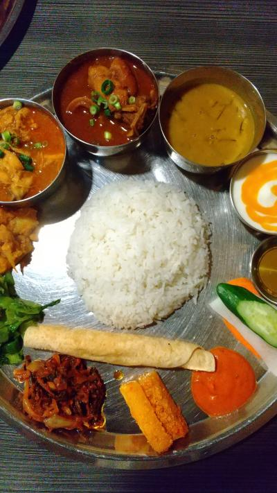 コリアンタウンでネパール料理