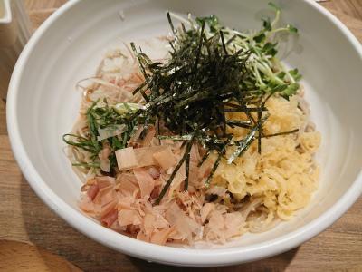 東京駅構内でひとりでもお手軽に蕎麦が食べられる