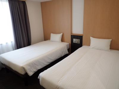 大浴場あり、便利な立地、新しくてきれい、部屋は広くはない