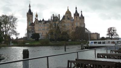 湖越しに城を望める最高の立地