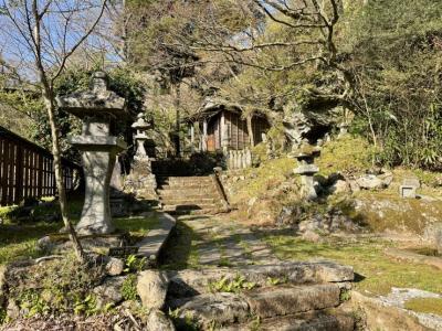 山のなかにひっそり静かに佇んでいる歴史ある湯治場