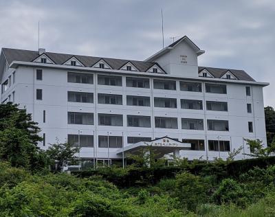 丘の上にあるホテル