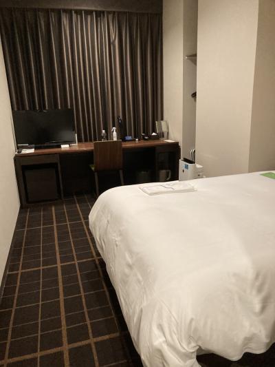 駅近(思ったほどではない)で綺麗・オシャレなホテル。部屋は新幹線線路真横・・・
