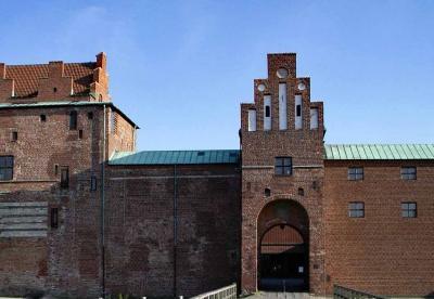濠に囲まれたマルメ城、今は博物館と美術館