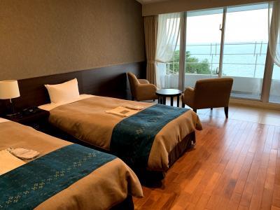 沖縄|橋でつながる浜比嘉島のオーシャンフロントホテル