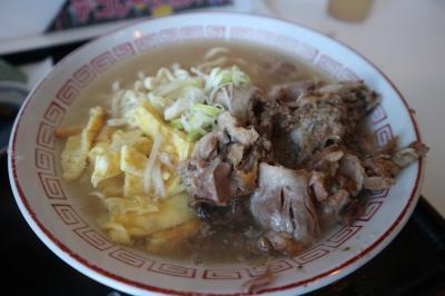沖縄|海中道路近く品数の多い食堂で「美味い沖縄そば」を!