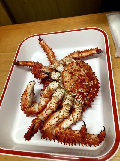 隣のたんぽぽで買った蟹が食べられます