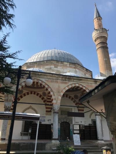 クルシュンル・モスクが観光の中心