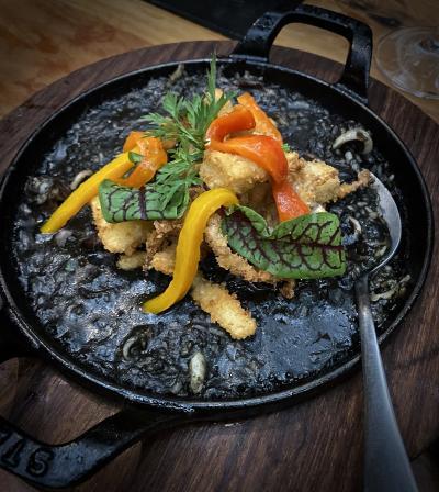 ポルトガル料理屋:エスピリトサントの二軒隣にあるスペイン料理店(高級住宅地:イタイン・ビビ地区/サンパウロ/ブラジル)